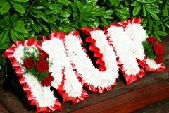 MUM - Letter Wreath